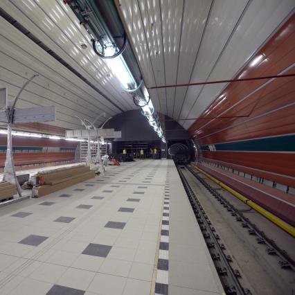 Pražané se letos dočkají mobilního signálu mezi stanicemi Muzeum a Roztyly, do roku 2022 pak bude mobilním signálem pokryto celé pražské metro