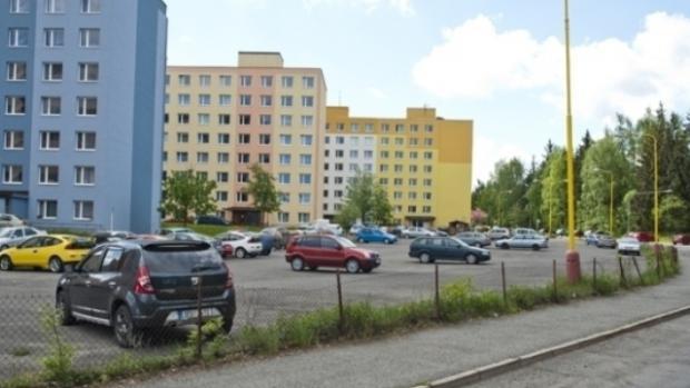 Řidičům z Prahy 11 zajistí parkování metropole