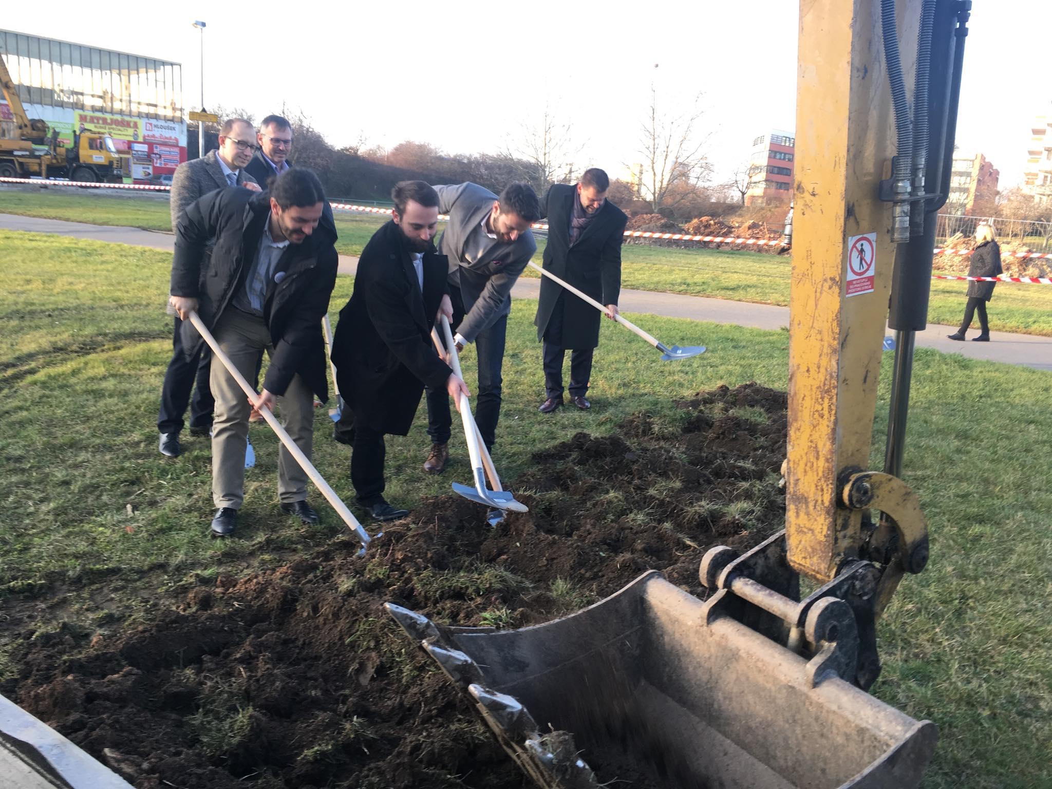 Po 12 letech plánování začala rekonstrukce metra Opatov