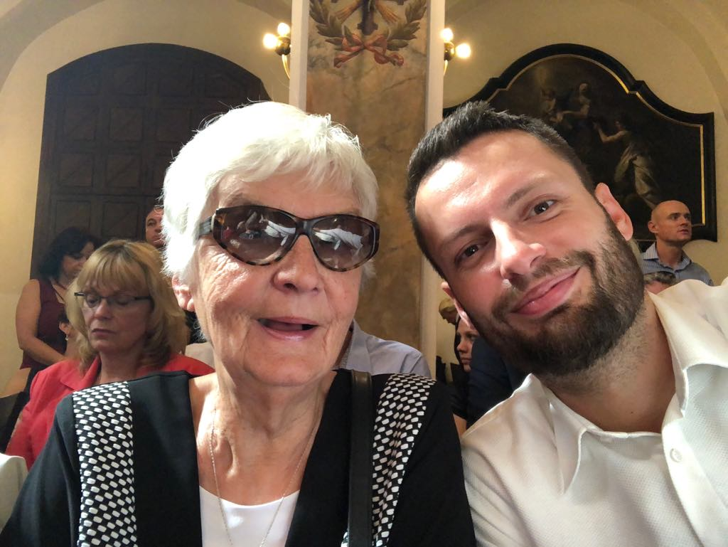 Pomozme spolu seniorům žít kvalitní život