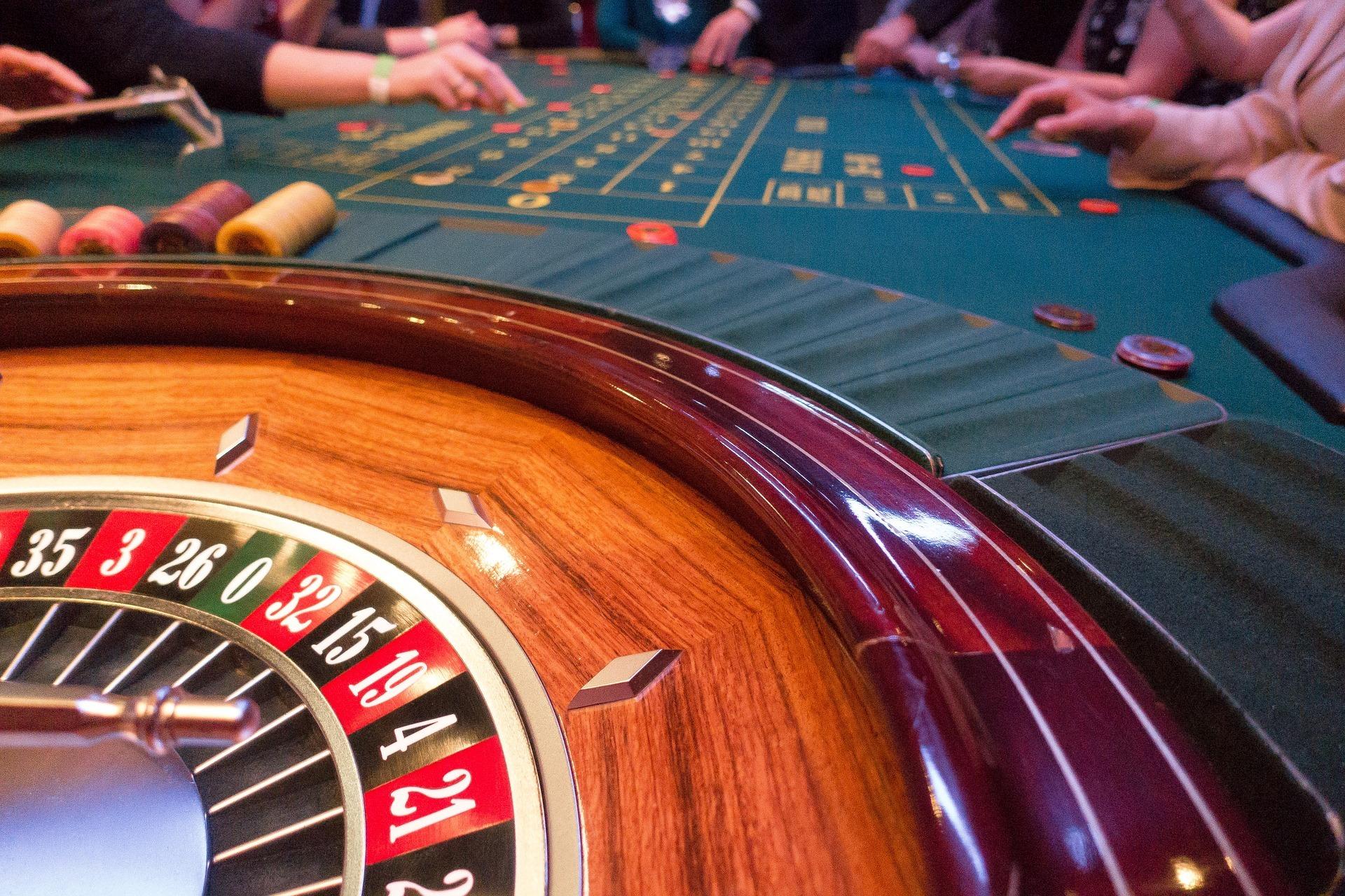 Nová pražská vyhláška o regulaci hazardu bez participace městských částí?