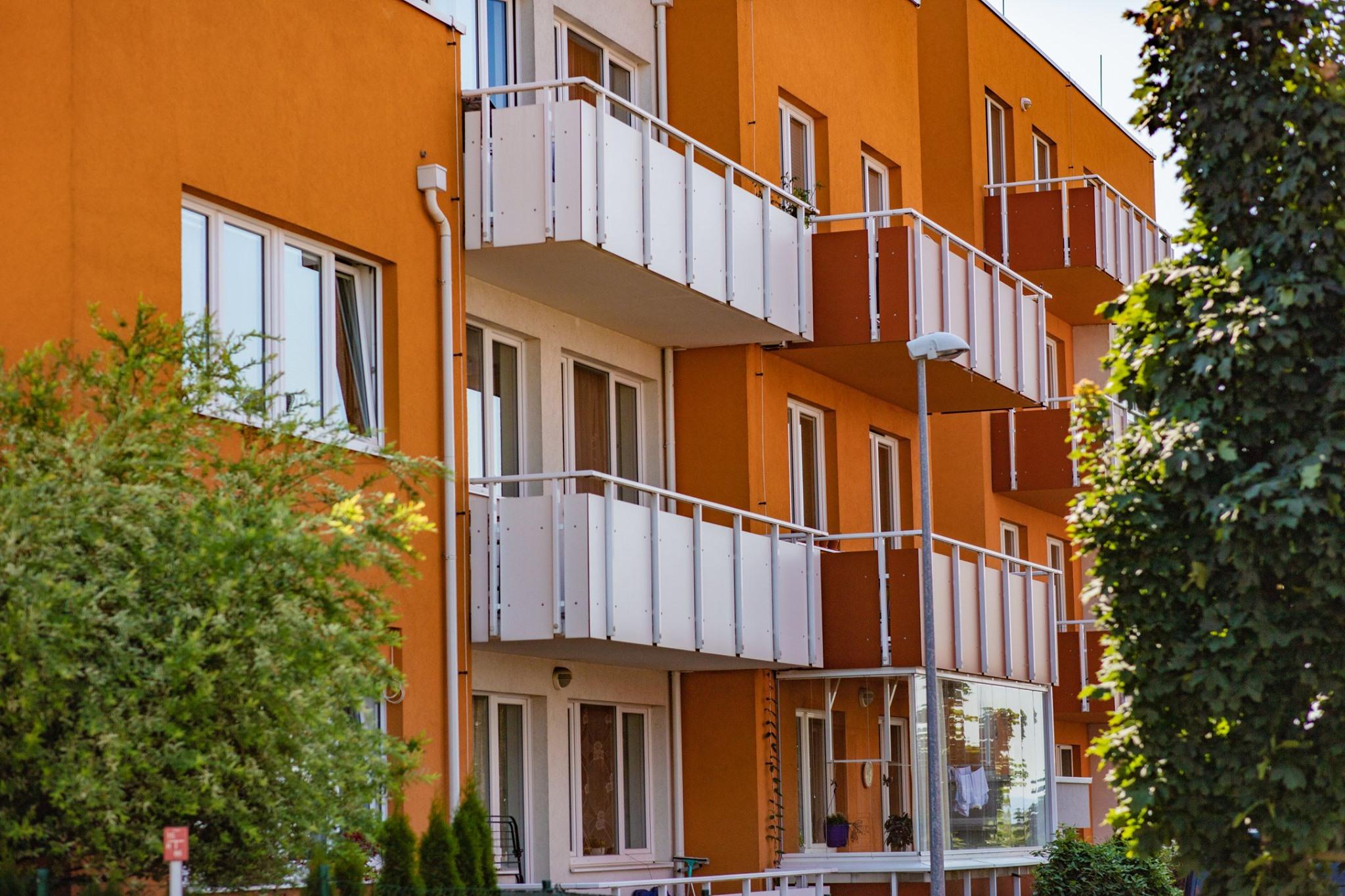 Nedostatek bytů trápí nejen Prahu, ale i ostatní světové metropole (Bytová politika, XII.)