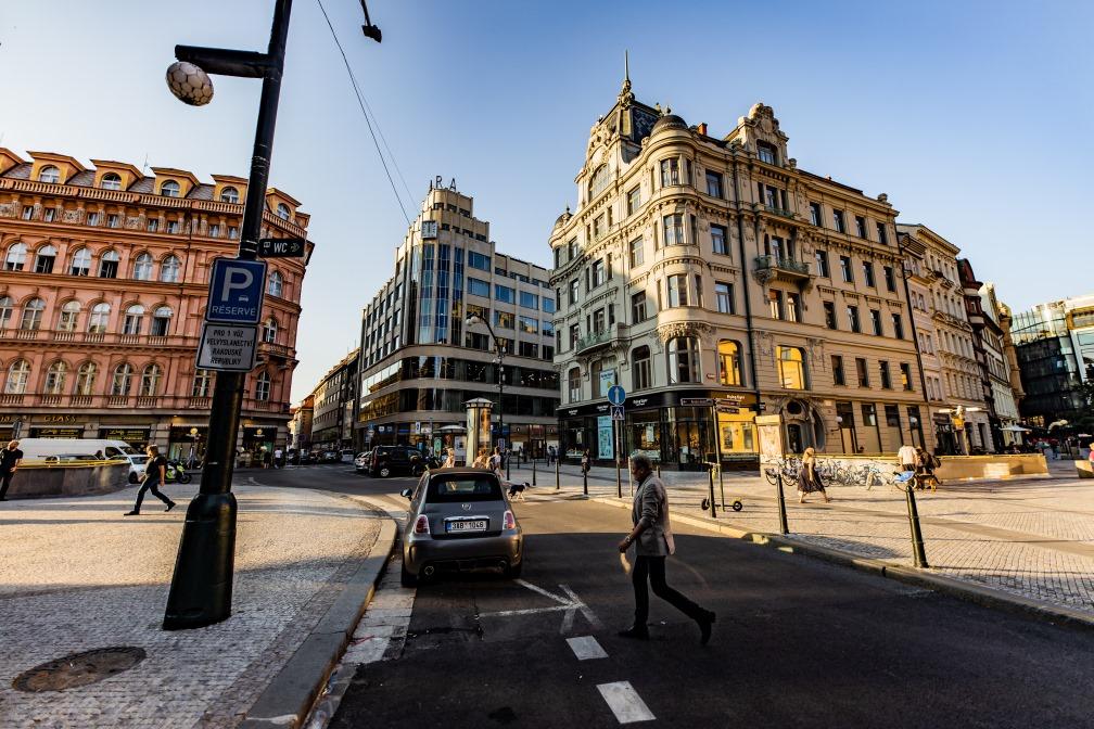 Pražská developerská společnost aneb jak z bytové krize? (Bytová politika, XIII.)